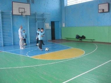 Центр детского и юношеского творчества, внешкольное учебное заведение - Кружок по футболу 'Кожаный мяч'
