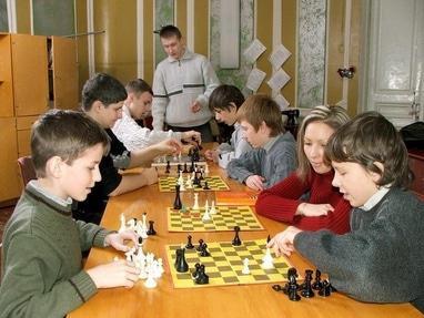 Центр детского и юношеского творчества, внешкольное учебное заведение - Шахматный клуб 'Белая ладья'