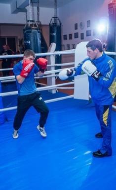 Три-Чотири, фітнес-клуб - Персональне тренування (бокс)