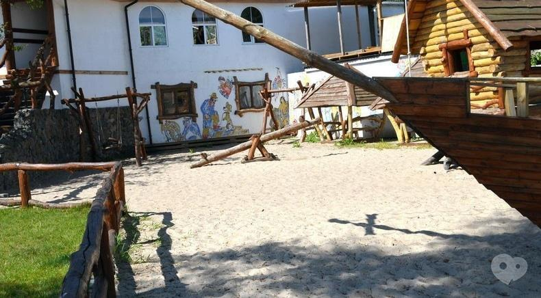 Робинзон, гостинично-ресторанный комплекс - Детская площадка