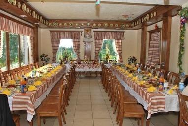 Тарас Бульба, корчма - Прикраса залу у народному стилі