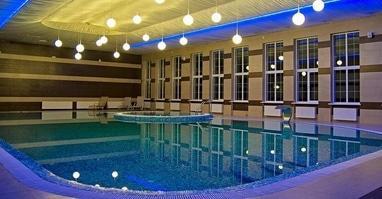 Perlyna resort, культурно-оздоровчий комплекс - Закритий басейн з джакузі, сауною і слеш-лазнею