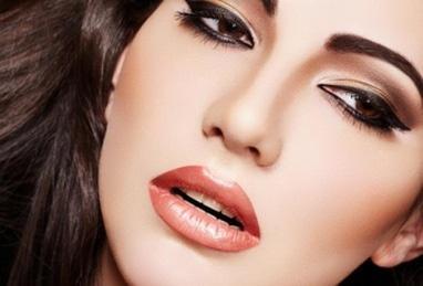 Анна Безуглая, мастер перманентного макияжа, профессиональный визажист - Коррекция от 2 до 8 месяцев