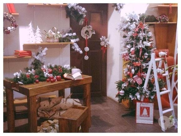 Фото 1 - Фрагранс, салон флористики - Новогоднее оформление и декор