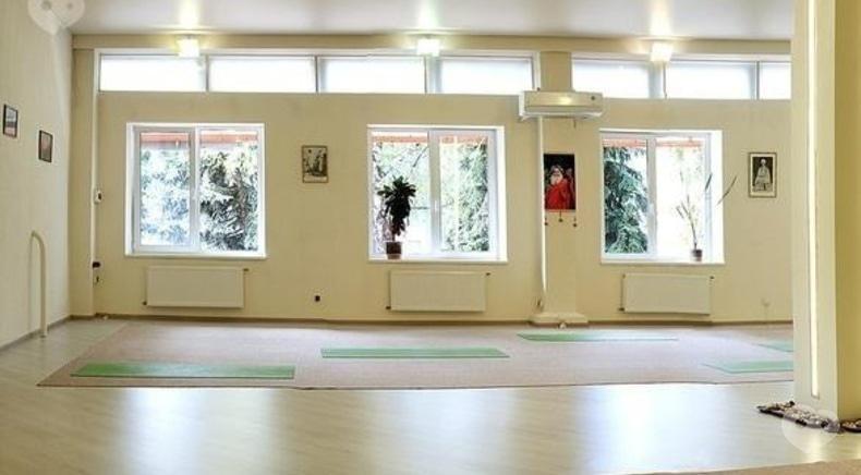 МГО Йога у повсякденному житті, міжнародний йога-центр - Заняття з йоги (1 місяць)