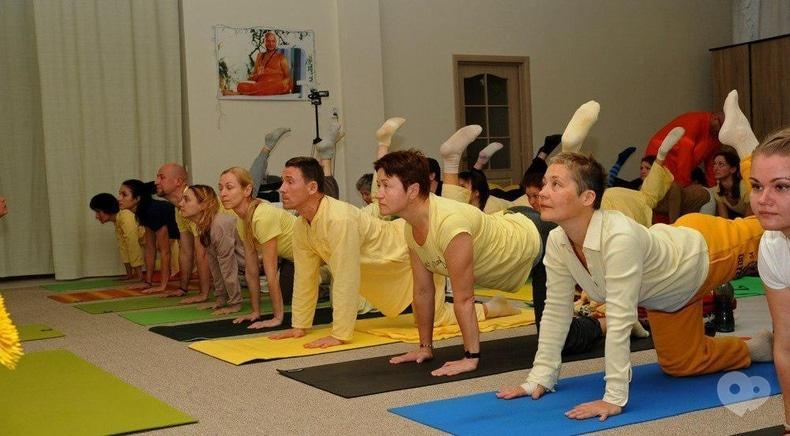 МГО Йога у повсякденному житті, міжнародний йога-центр - Заняття з йоги (3 місяці)