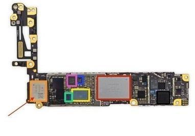 Apple Service, ремонт и продажа техники Apple - Замена WiFi модуля