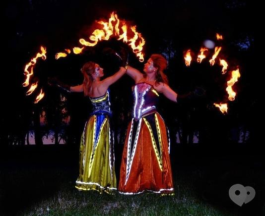 """Фото 2 - Сварожичи, огненное шоу, пиротехническое шоу, великаны на ходулях - Огненно-пиротехническое шоу """"Венецианский карнавал"""" (4 актера)"""