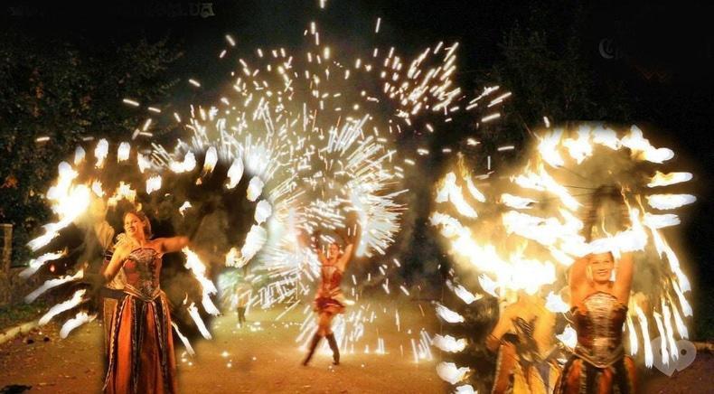 """Фото 3 - Сварожичи, огненное шоу, пиротехническое шоу, великаны на ходулях - Огненно-пиротехническое шоу """"Венецианский карнавал"""" (4 актера)"""