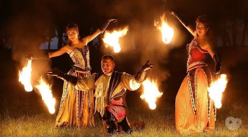 """Фото 6 - Сварожичи, огненное шоу, пиротехническое шоу, великаны на ходулях - Огненно-пиротехническое шоу """"Венецианский карнавал"""" (4 актера)"""