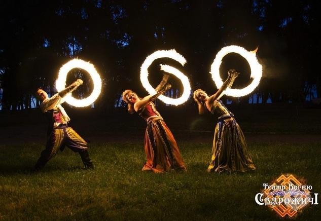 """Фото 8 - Сварожичи, огненное шоу, пиротехническое шоу, великаны на ходулях - Огненно-пиротехническое шоу """"Венецианский карнавал"""" (4 актера)"""