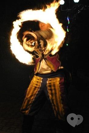 """Фото 10 - Сварожичи, огненное шоу, пиротехническое шоу, великаны на ходулях - Огненно-пиротехническое шоу """"Венецианский карнавал"""" (4 актера)"""
