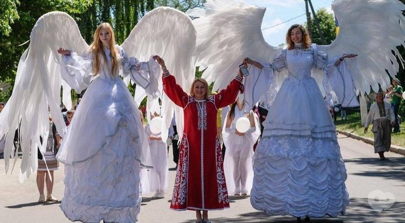 Ходулисты ангелы для фотосессии и церемонии бракосочетания - Шоу ходулистов  - Сварожичи Черкассы