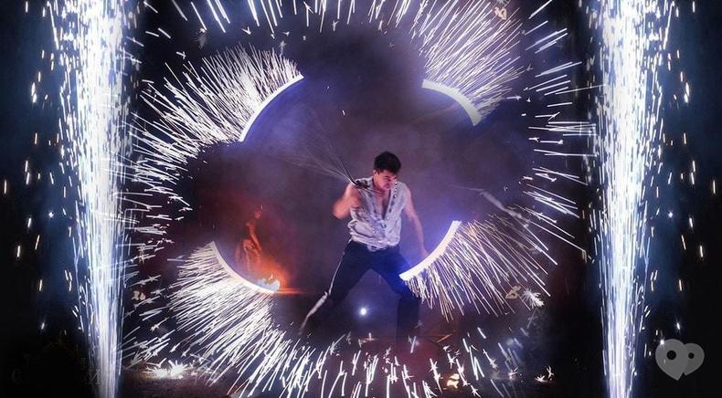 """Фото 7 - Сварожичи, огненное шоу, пиротехническое шоу, великаны на ходулях - Романтическое фаер-шоу """"Двое"""""""