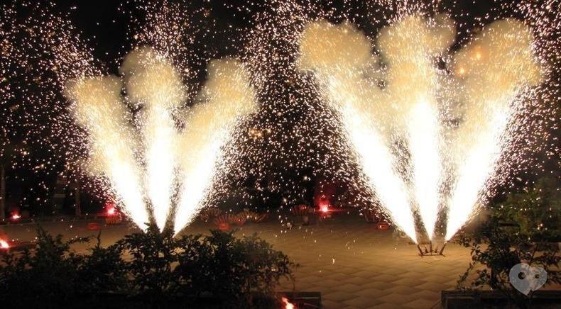 Фото 8 - Сварожичи, огненное шоу, пиротехническое шоу, великаны на ходулях - Пиротехническое музыкальное шоу