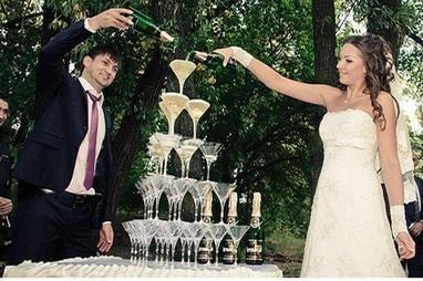 Эдем, агентство организации праздников - Пирамида бокалов шампанского