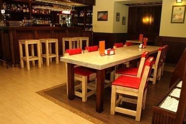 Фабрикант, Торговый Дом - Изготовление  мебели из древесины для КаБаРе