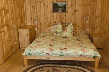 Щедра Долина, база отдыха - 2-местный номер ПОЛУЛЮКС (ТВ, душ, туалет, кондиционер)