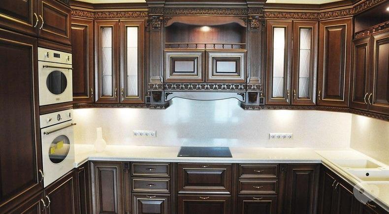 Фото 5 - М Центр, мебельный салон - Кухня классическая