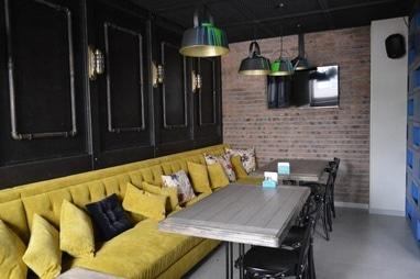 Servant, рест-кафе - Банкетка на 18 человек – Чайнички