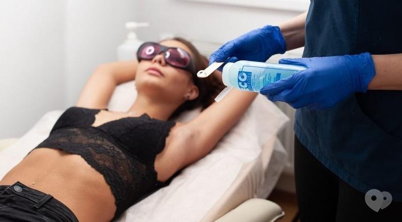 Celebriti, центр лазерної косметології та корекції фігури - Лазерна епіляція зони спини і живота