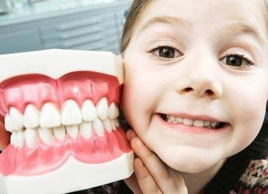 Сучасна Сімейна Стоматологія - Фторування Тус-Мусом