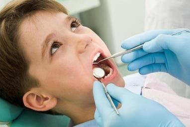 Сучасна Сімейна Стоматологія - Удаление молочного зуба