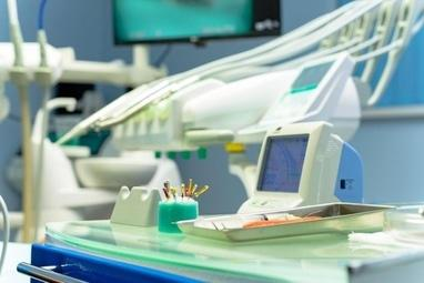 Стоматология Соболевского - Лечение зубов под микроскопом