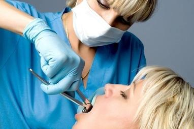 Стоматологія Соболевського - Видалення зуба з підсадкою кістково-пластичного матеріалу