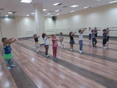 Crystal Dance Hall, студія спортивного бального танцю - Дитяча розвиваюча хореографія