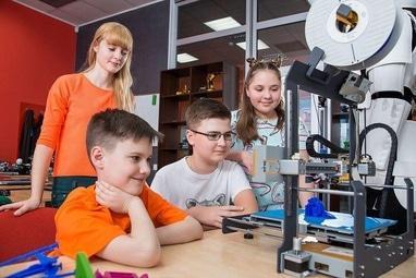 Компьютерная академия ШАГ Черкассы - Малая компьютерная академия. Возраст: 9-12 лет (по будням)