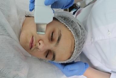 Приватний кабінет Ірини Лабунець, лікар-дерматовенеролог, косметолог, дитячий дерматолог - УЗ-чистка шкіри обличчя, шиї і декольте, спини