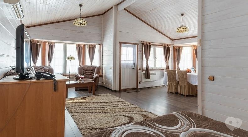 Фото 2 - Selena Family Resort, Готельно-ресторанний комплекс - Бунгало Executive з видом на Дніпро