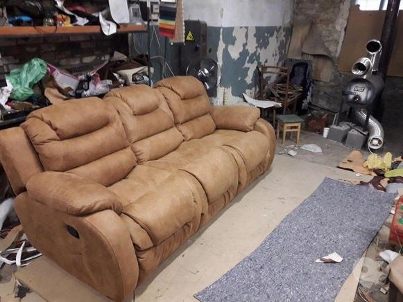 Фото 2 - Перетяжка мягкой мебели - Перетяжка диванов