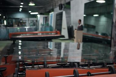PLAMET, Производство металлопластиковых окон и металлических дверей - Изготовление стеклопакетов