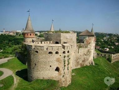 Мандрівник, туристична компанія - Замки Західної України