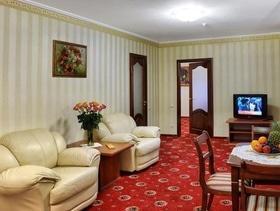 """VIP пакет """"Развлечения без ограничений"""" от гостиницы """"Украина"""""""