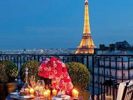 "День святого Валентина в заманчивом Париже от ""Lux Travel"""