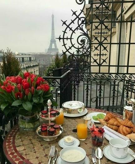 """Акция - Тур """"Завтрак в Париже"""" от """"Vector Tour"""""""