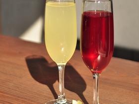 """Шампанське по келихам за спеціальною ціною в """"SODA"""""""
