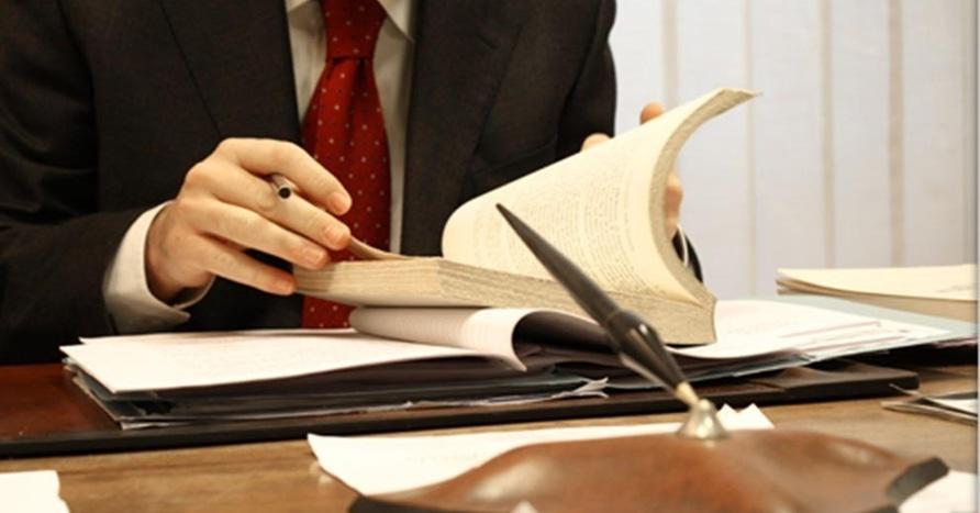 Yuristy advokaty notariusy rabota.12